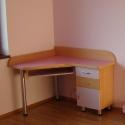 Birou copii roz pe colt