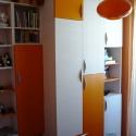 dulap portocaliu